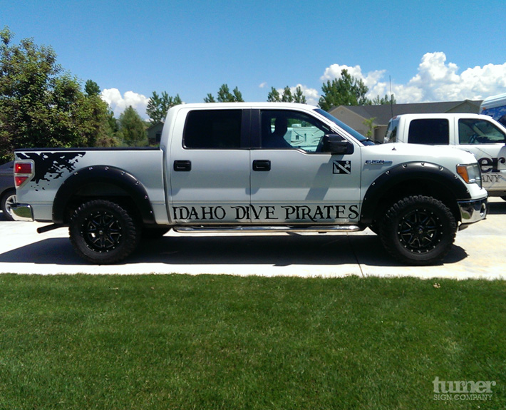 F150 tuck graphics above running board